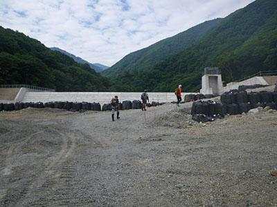 加須良川から蓮如峠と蓮如岩_a0133014_13452493.jpg