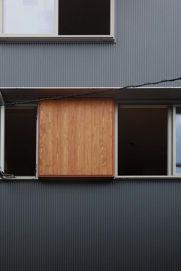 「荒川の家Ⅲ」塗装工事終盤_b0142417_12324583.jpg