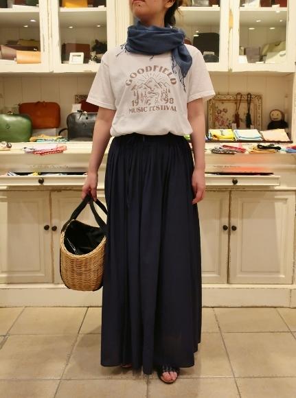 カディコットンに刺繍をした特別なドレスです。_c0227633_18302137.jpg