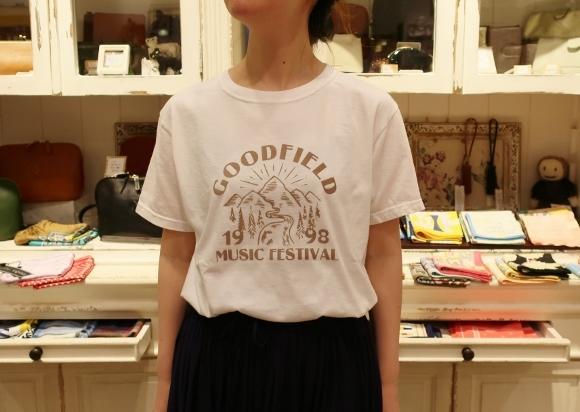 カディコットンに刺繍をした特別なドレスです。_c0227633_18303707.jpg
