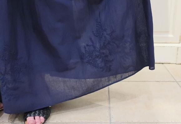 カディコットンに刺繍をした特別なドレスです。_c0227633_18312067.jpg