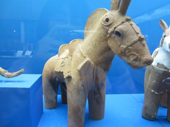 馬鈴を表現した馬形埴輪を持つ古墳の被葬者は王か臣下か_a0237545_00123153.jpg