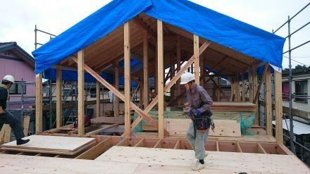 『風致地区の店舗併用住宅』上棟しました。_e0197748_17311791.jpg