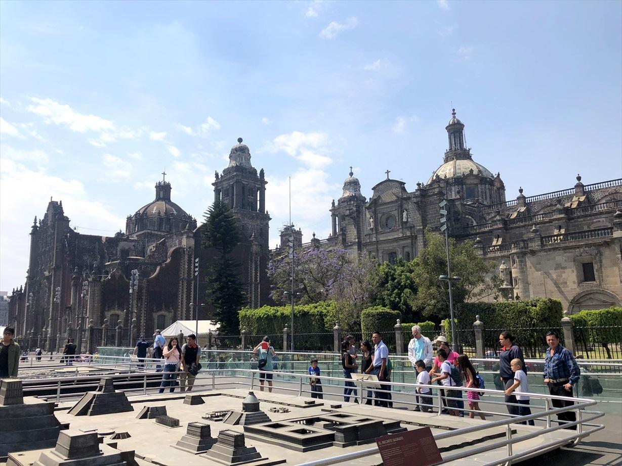 中南米の旅/69 アステカ帝国が眠るソカロ広場@メキシコシティ_a0092659_06062207.jpg