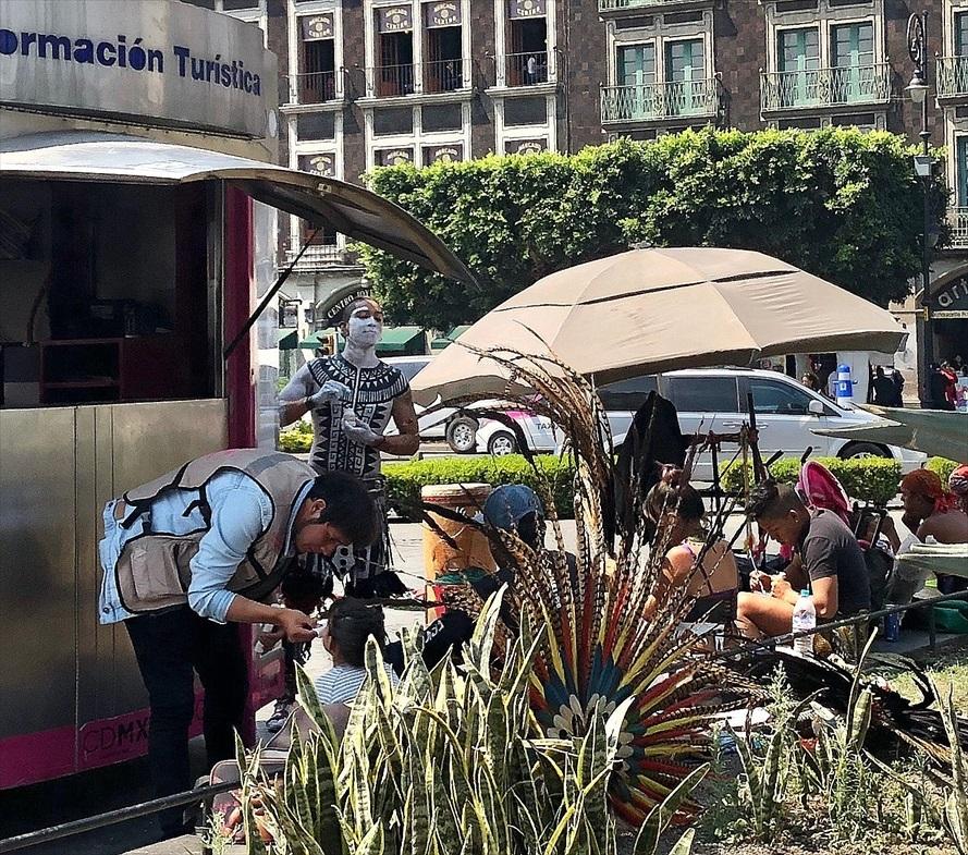 中南米の旅/69 アステカ帝国が眠るソカロ広場@メキシコシティ_a0092659_06212236.jpg