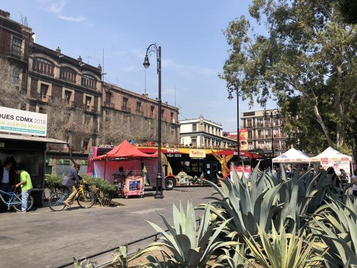 中南米の旅/69 アステカ帝国が眠るソカロ広場@メキシコシティ_a0092659_06562014.jpg