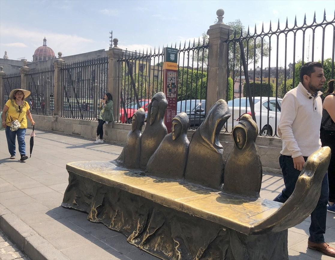 中南米の旅/69 アステカ帝国が眠るソカロ広場@メキシコシティ_a0092659_07042599.jpg