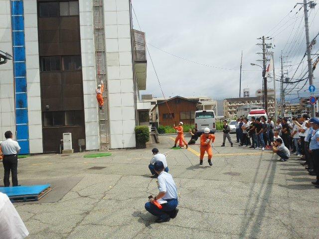 ⭐ 活躍中 ⭐ 救助技術訓練 川西市消防本部 市長査閲 毎日の訓練の積みかさね 🌝_f0061067_21580110.jpg