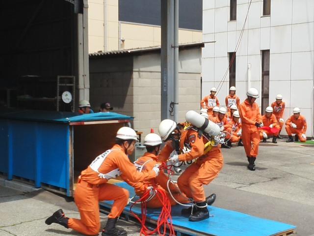 ⭐ 活躍中 ⭐ 救助技術訓練 川西市消防本部 市長査閲 毎日の訓練の積みかさね 🌝_f0061067_21580169.jpg