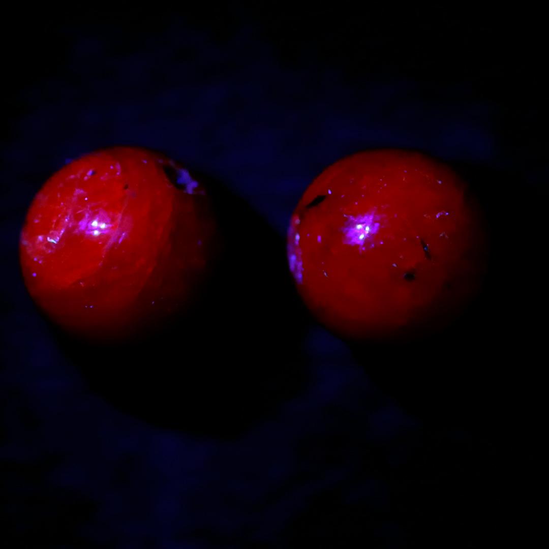 やっぱり光ったルビーのビーズ(9日連続ビーズ・2日目)_d0303974_18043572.jpg