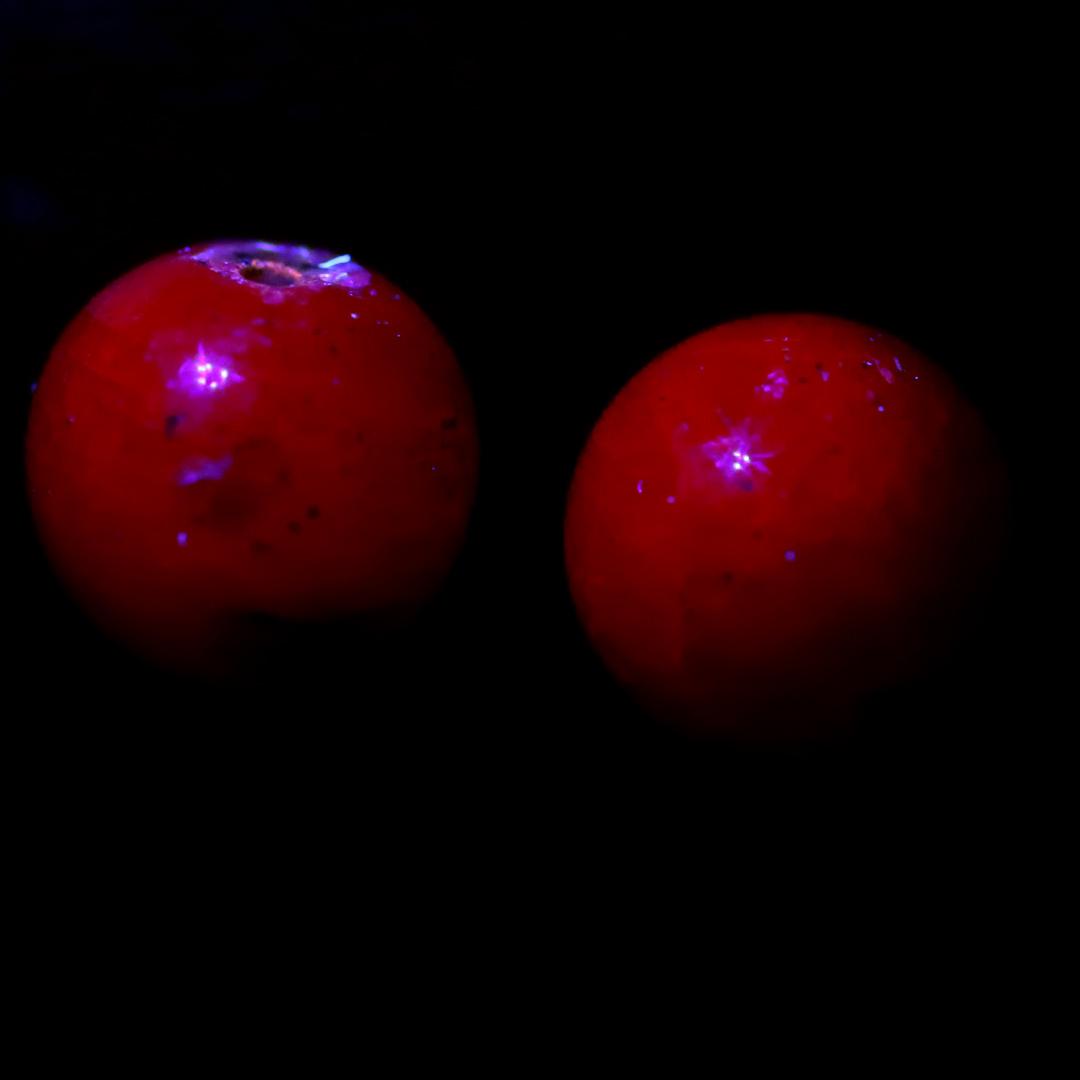 やっぱり光ったルビーのビーズ(9日連続ビーズ・2日目)_d0303974_18252193.jpg