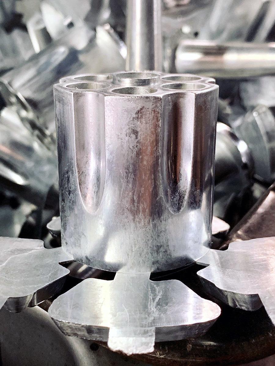 ZEKE様からM29金属モデルガンキットの最新情報です。シリンダー_f0131995_08511432.jpg