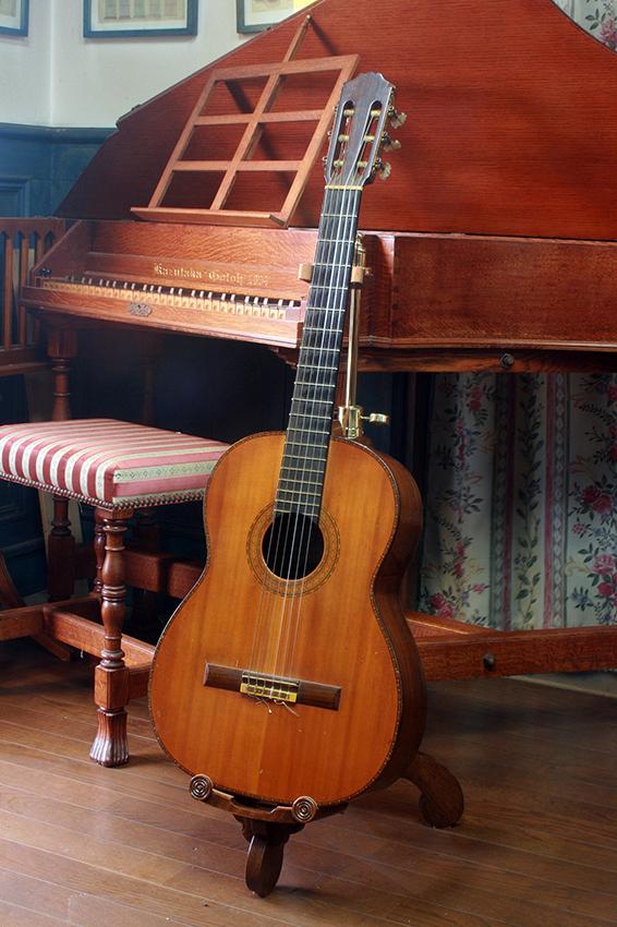 ギタースタンド第二弾 #4_e0064847_11414517.jpg