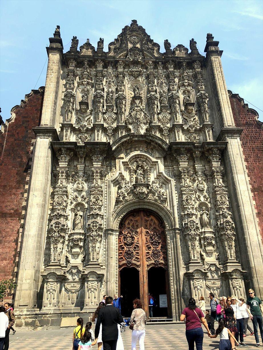 中南米の旅/68 アステカ遺跡の上に建つメトロポリタン大聖堂@メキシコシティ_a0092659_00590811.jpg