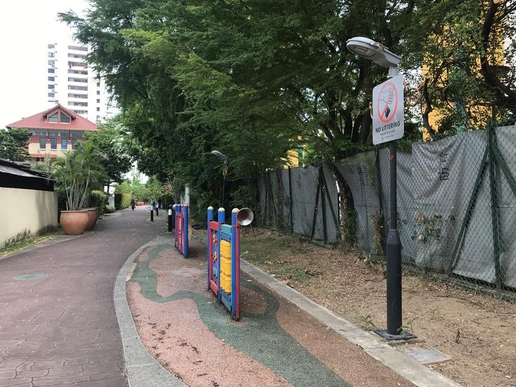 Haig Rd FC から ホテルまで。長い散歩はようやくゴール!_c0212604_5223914.jpg