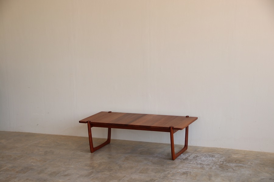 『Peter Hvidt Coffee Table』_c0211307_09425060.jpg