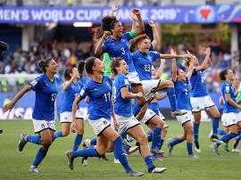 """イタリアの夏の主役は""""アズーレ""""。女子W杯躍進の裏に偏見の歴史。 _b0064113_1234747.jpg"""