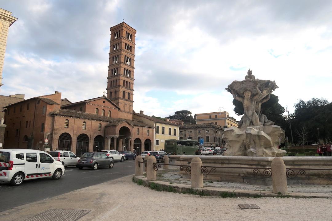 明日はローマに投票に、FlixBusでペルージャから_f0234936_4292741.jpg