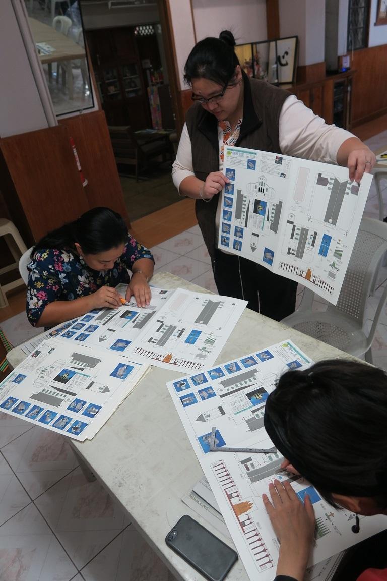 七夕飾りづくり & 長崎・大浦天主堂紙模型づくり ワークショップ Tanabata & Nagasaki Oura Church paper craft workshop_a0109542_12255665.jpg