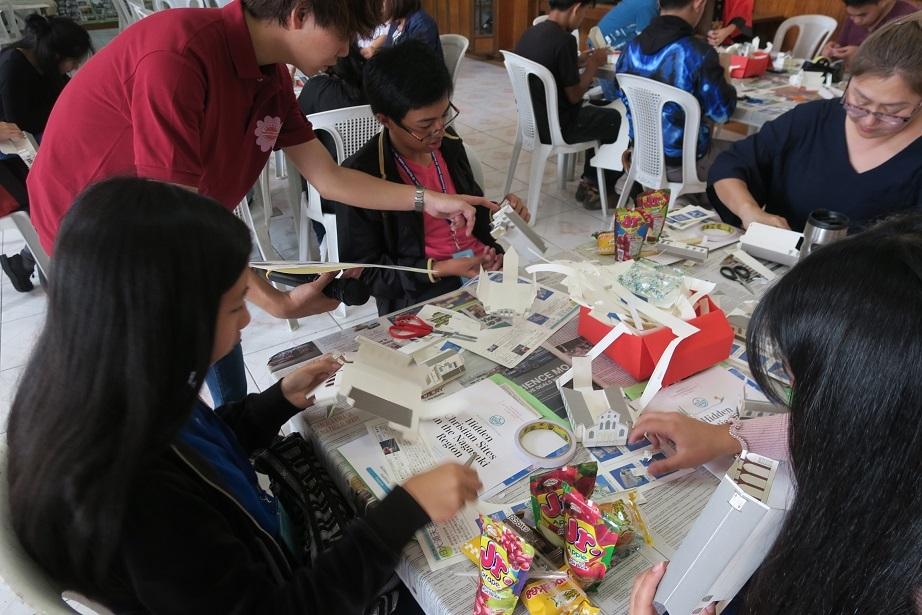 七夕飾りづくり & 長崎・大浦天主堂紙模型づくり ワークショップ Tanabata & Nagasaki Oura Church paper craft workshop_a0109542_12280685.jpg