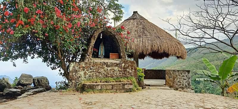 フロレス島の旅(ベナ村)_d0083068_11595333.jpg