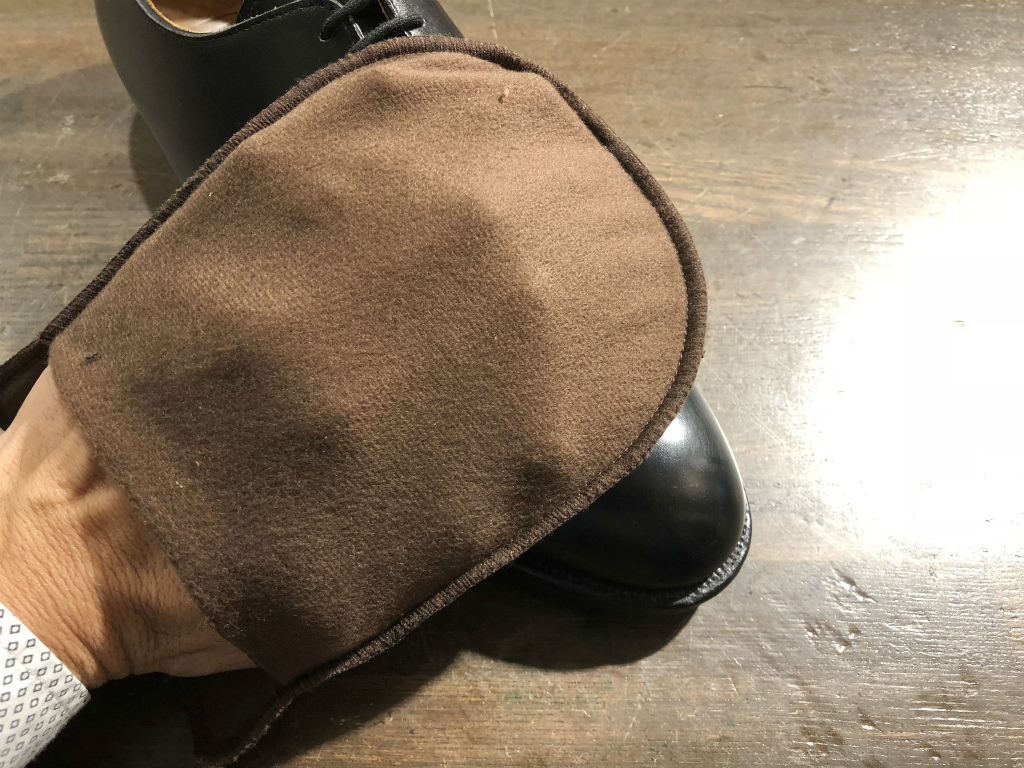 ブログ『サルでも分かる靴磨きの超基本~特にクリームの量とブラシのかけ方!』_b0365069_19020211.jpg