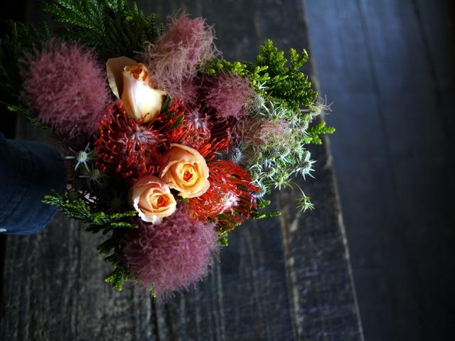 一週間に一度、定期的にお届けしている花束。2019/07/08。_b0171193_17281272.jpg