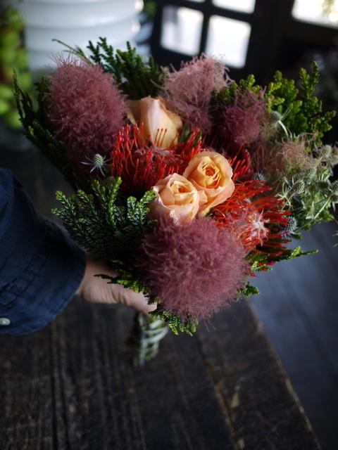 一週間に一度、定期的にお届けしている花束。2019/07/08。_b0171193_17281874.jpg