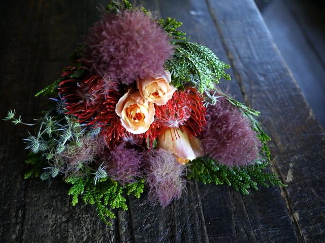 一週間に一度、定期的にお届けしている花束。2019/07/08。_b0171193_17282419.jpg
