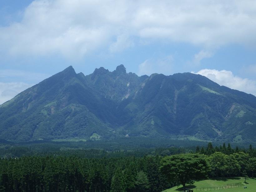 霧立越え・・白岩山へ_e0164643_15060779.jpg