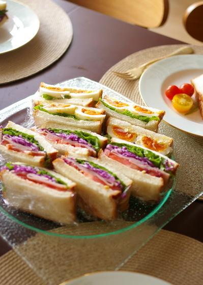 玉子&彩り野菜とハムのサンドイッチ_d0327373_07544520.jpg
