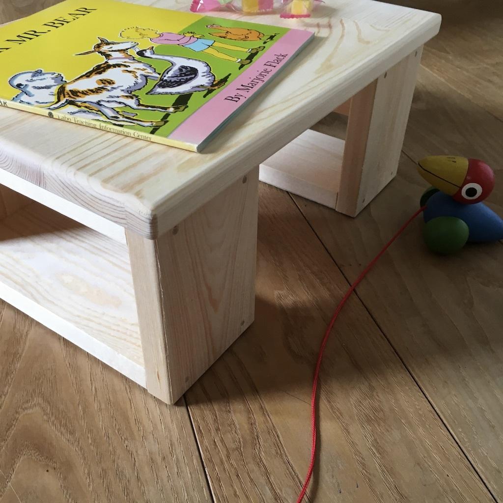 お子さま用のテーブルとベンチ & 梅雨の晴れ間_c0334574_20080711.jpg