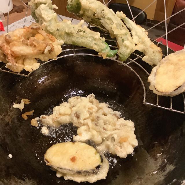 夏野菜の天ぷらを立ち喰い、食とセックスは同類である。_a0334793_20210045.jpg