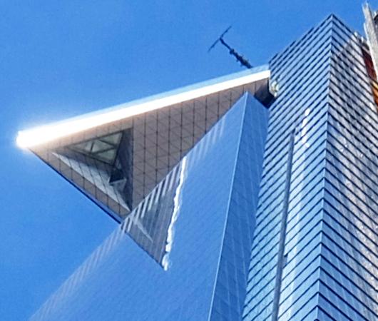 ニューヨークで一番高い(東京タワーより高い?!)バルコニー、エッジ(Edge)建造中_b0007805_05580050.jpg