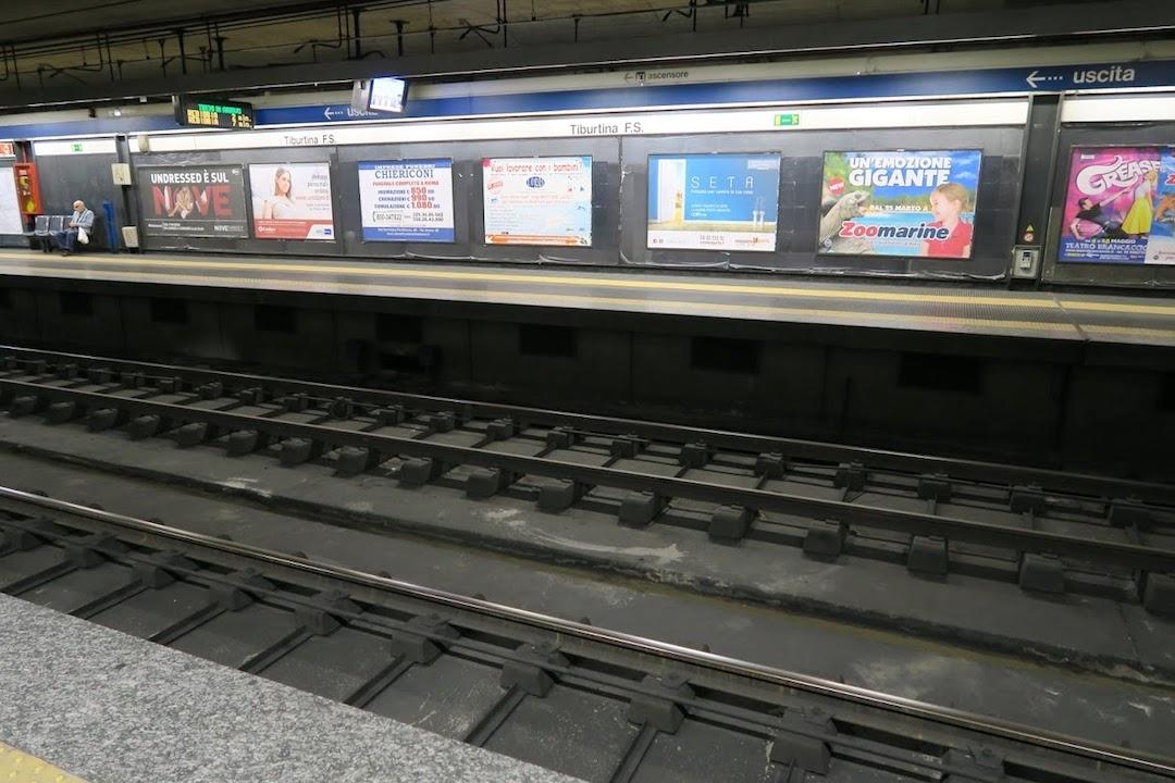 ボルゲーゼ公園で迷い地下鉄でスリ目撃、ローマ_f0234936_3564220.jpg