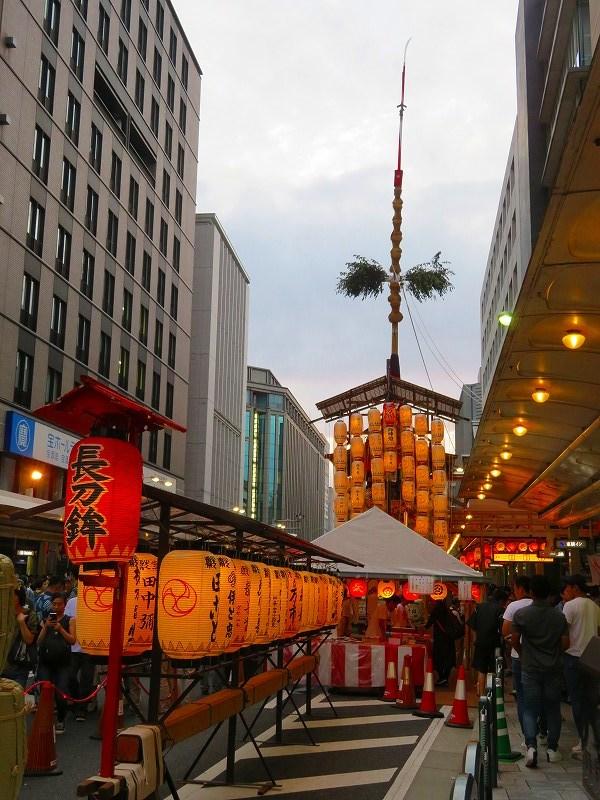 祇園祭「駒形提灯を掲げた山鉾」の紹介20190716_e0237645_21175210.jpg