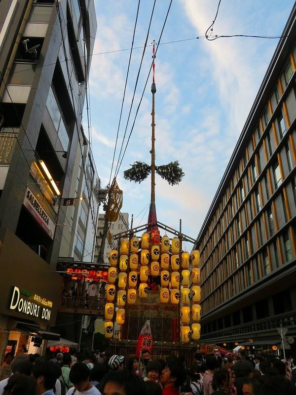 祇園祭「駒形提灯を掲げた山鉾」の紹介20190716_e0237645_21305623.jpg