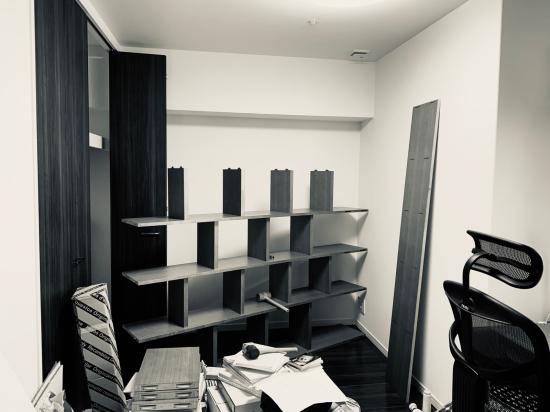 本棚、現場組み立て。壁2面_f0053665_11523568.jpg