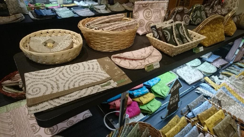 金森赤レンガ倉庫シングラースにセラピア製品。箸入れ人気です。_b0106766_18245760.jpg