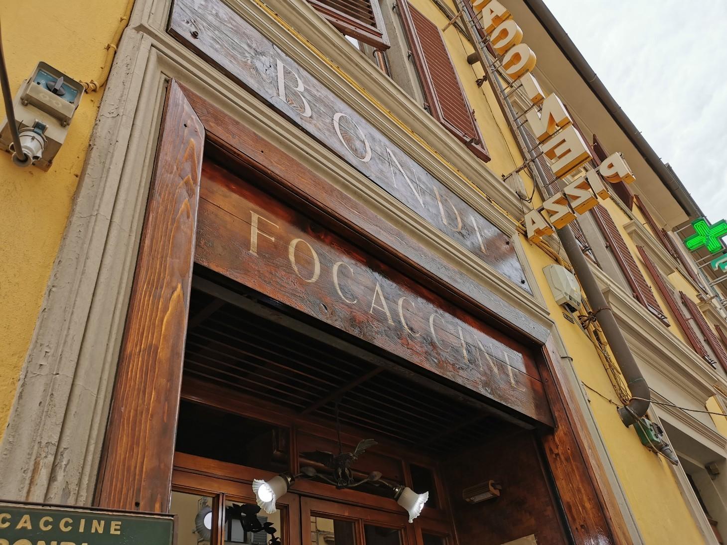 フィレンツェでフォカッチャを食べるなら!フォカッチェリーア・ボンディ_f0106597_05413014.jpg