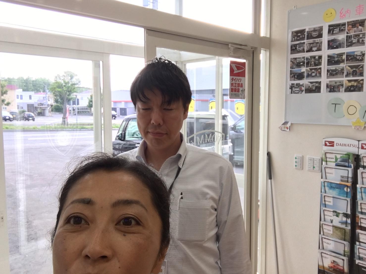 7月17日(水)本店ブログ♪ E250ベンツカブリオレ♪ありますよ!ランクル ハマー アルファード_b0127002_19551646.jpg