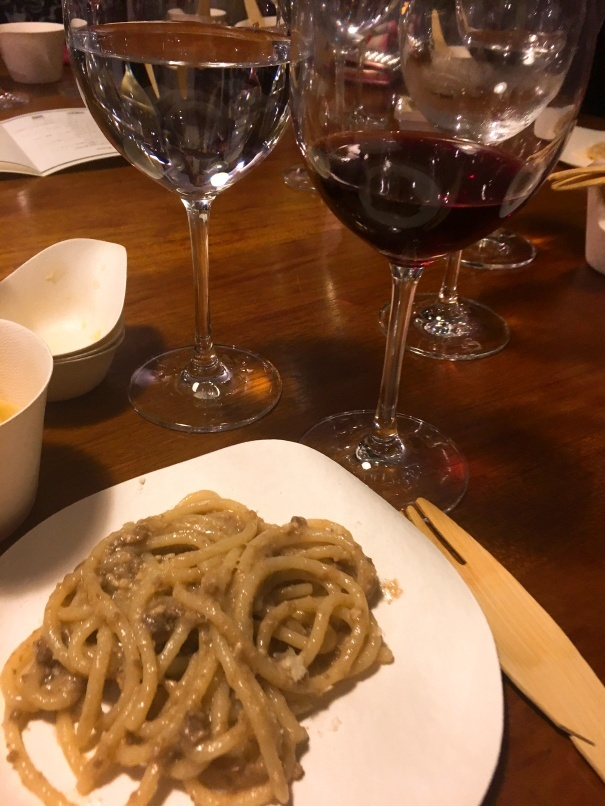 フェラガモ所有のワイナリー「IL Borro」のワインパーティ。_d0041729_21191019.jpg