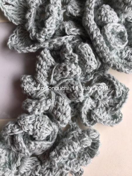 夏糸のネック・ウォーマー        the neck warmer of summer yarn_b0029036_13580115.jpg