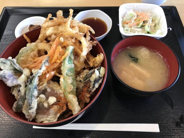 ランチはガッツリ かき揚げ丼定食!_c0212604_12172670.jpg