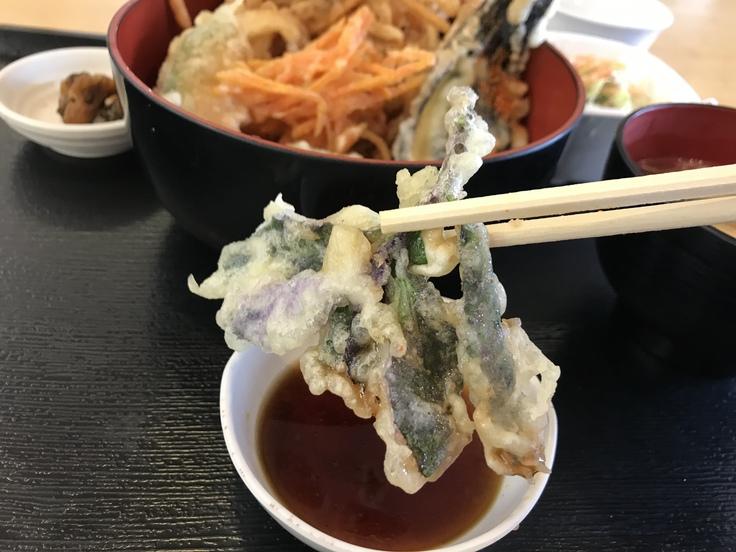 ランチはガッツリ かき揚げ丼定食!_c0212604_12192772.jpg