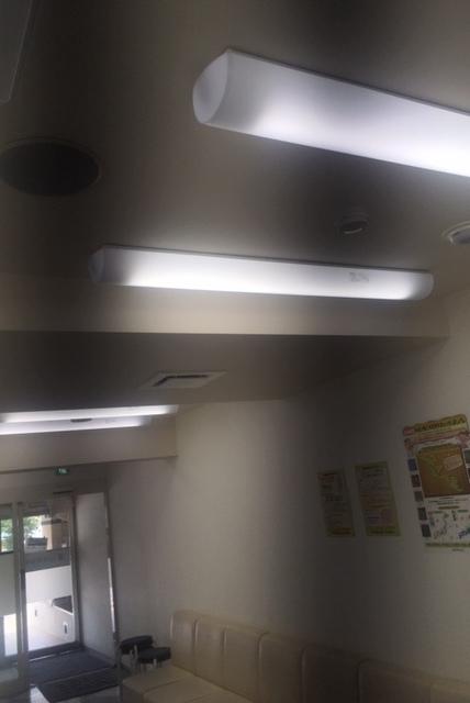 蛍光灯をLEDに変えました_b0377610_22350968.jpg