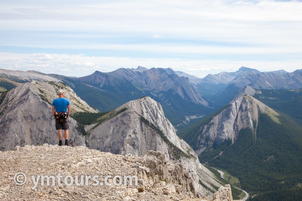 現地ガイドお勧め。カナディアンロッキーで登るべき山 トップ10 [目指せ登頂!]_d0112928_07591827.jpg