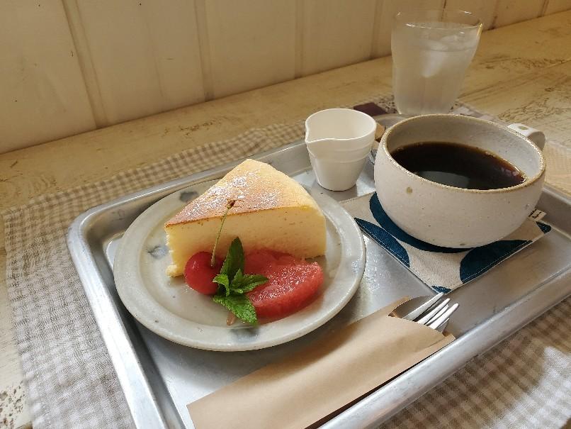 スフレチーズケーキ、飲む?_c0199544_16402638.jpg