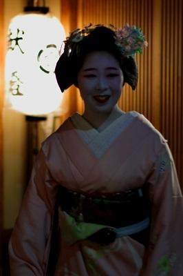 宮川町の夜_e0241944_21455386.jpg