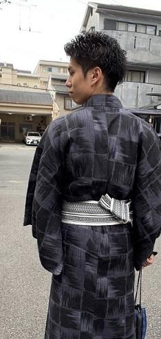 祇園祭宵山にお出掛けの浴衣姿の若い男性のお客様。_f0181251_17142978.jpg